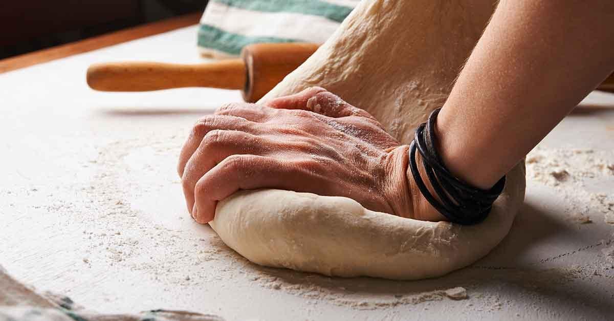 impastare il pane colfondo